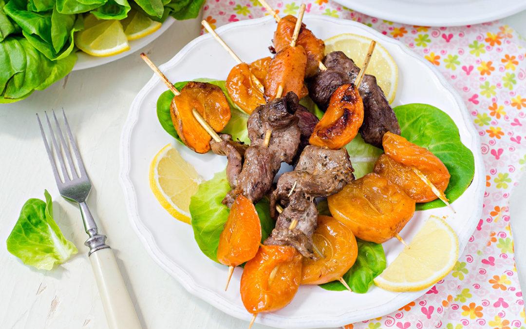 Brochettes d'aiguillettes de canard aux abricots et nappage de Grain d'Amour